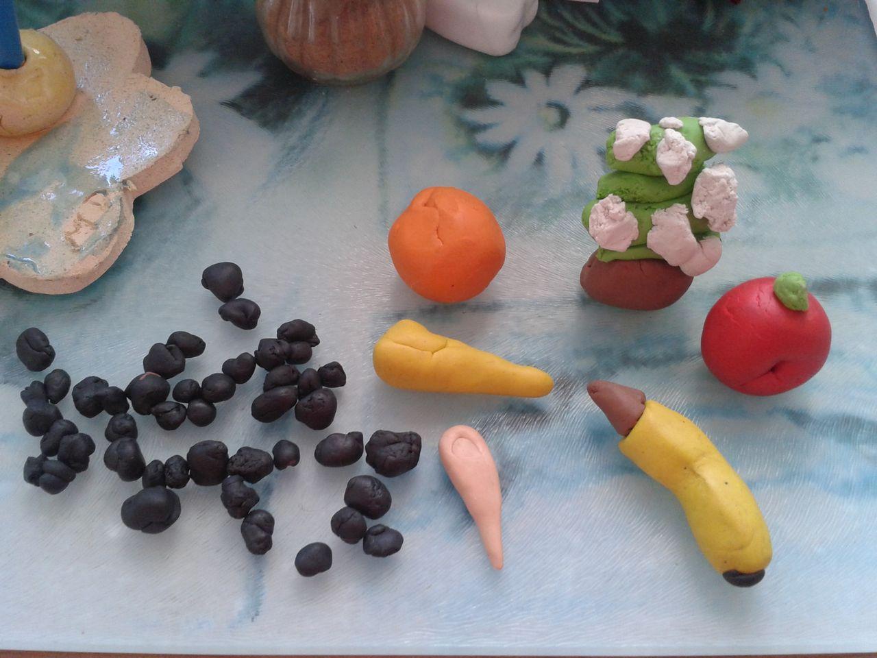 Ovoce z plastelíny