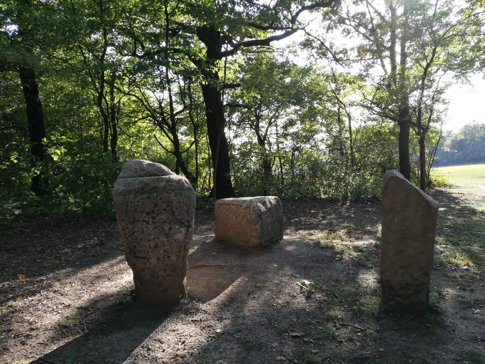 Tři kameny