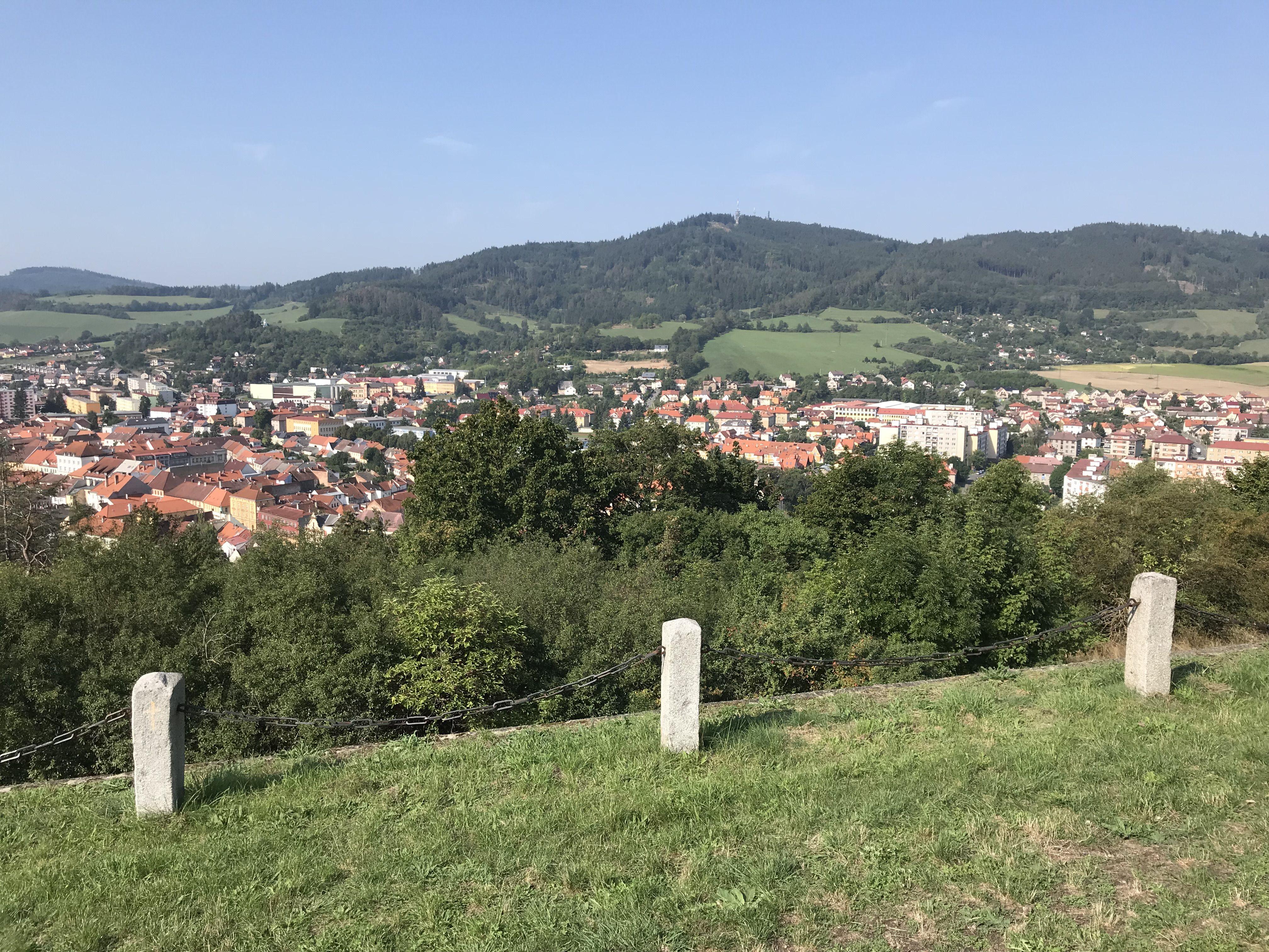 Pohled na Sušici, vzadu Svatobor