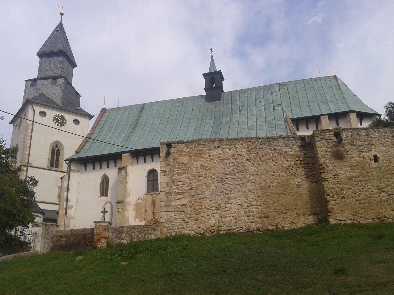 Opevněný kostel v Kurdějově