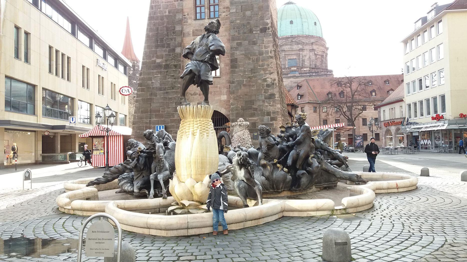 Norimberk - kašna Ehekarussell