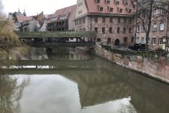 Norimberk - krytý most před řeku Pegnitz